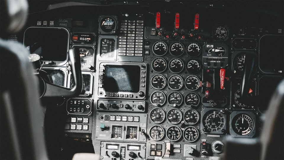 Airplane Cockpit 16.9